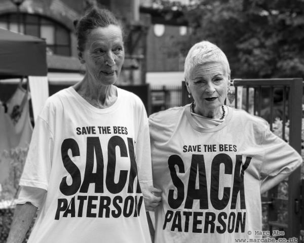 KATHERINE HAMNETT & VIVIENNE Westwood in slogan t-shirts